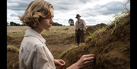 Carey Mulligan and Ralph Fiennes in The Dig (IMDB)