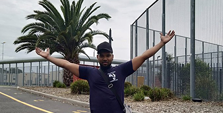 Refugee Thanus Salvarasa after being releasead from detention in Melbourne yesterday (SBS News/Twitter, Thanus79084726)