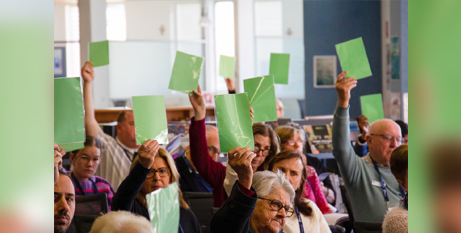 Participants vote during the second session of the Maitland-Newcastle Diocesan Synod (MNnewsToday)