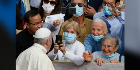 Pope Francis greets pilgrims at first general audience since March (CNS/Paul Haring)