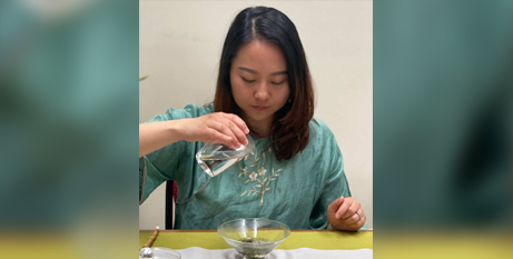 Joanne Gao wants to run Chinese tea ceremonies as a small business (ABC News Selina Ross)