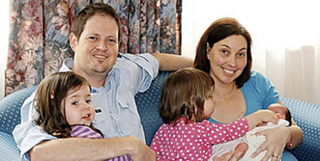 The Bishop family with baby Lilah Sophie in 2009 (The Southern Cross)